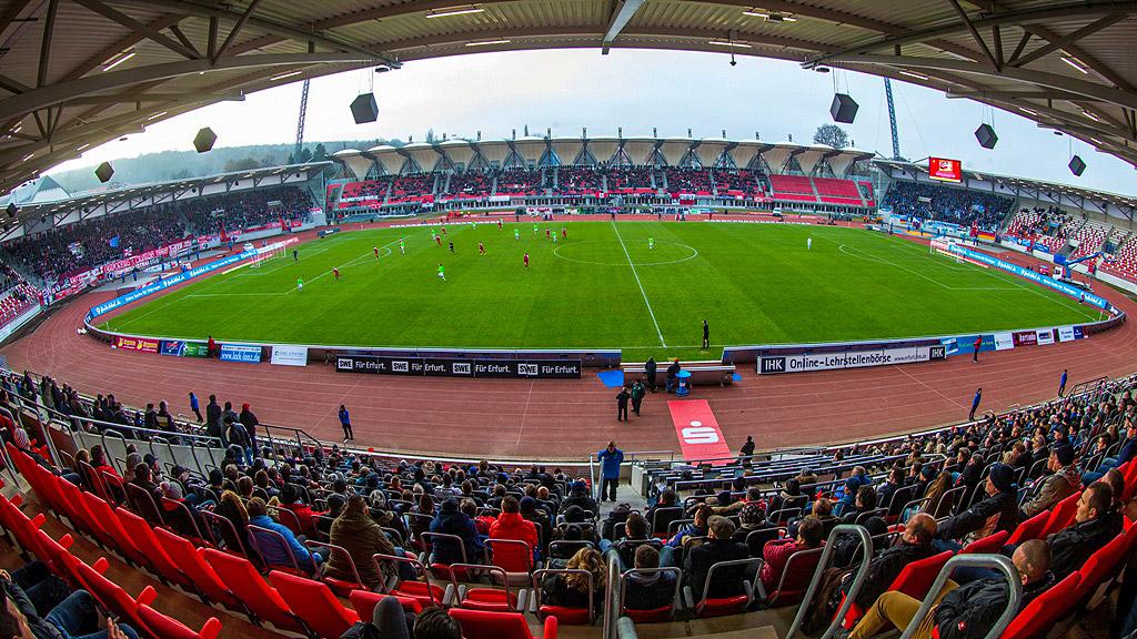 Steigerwaldstadion - Westtribüne